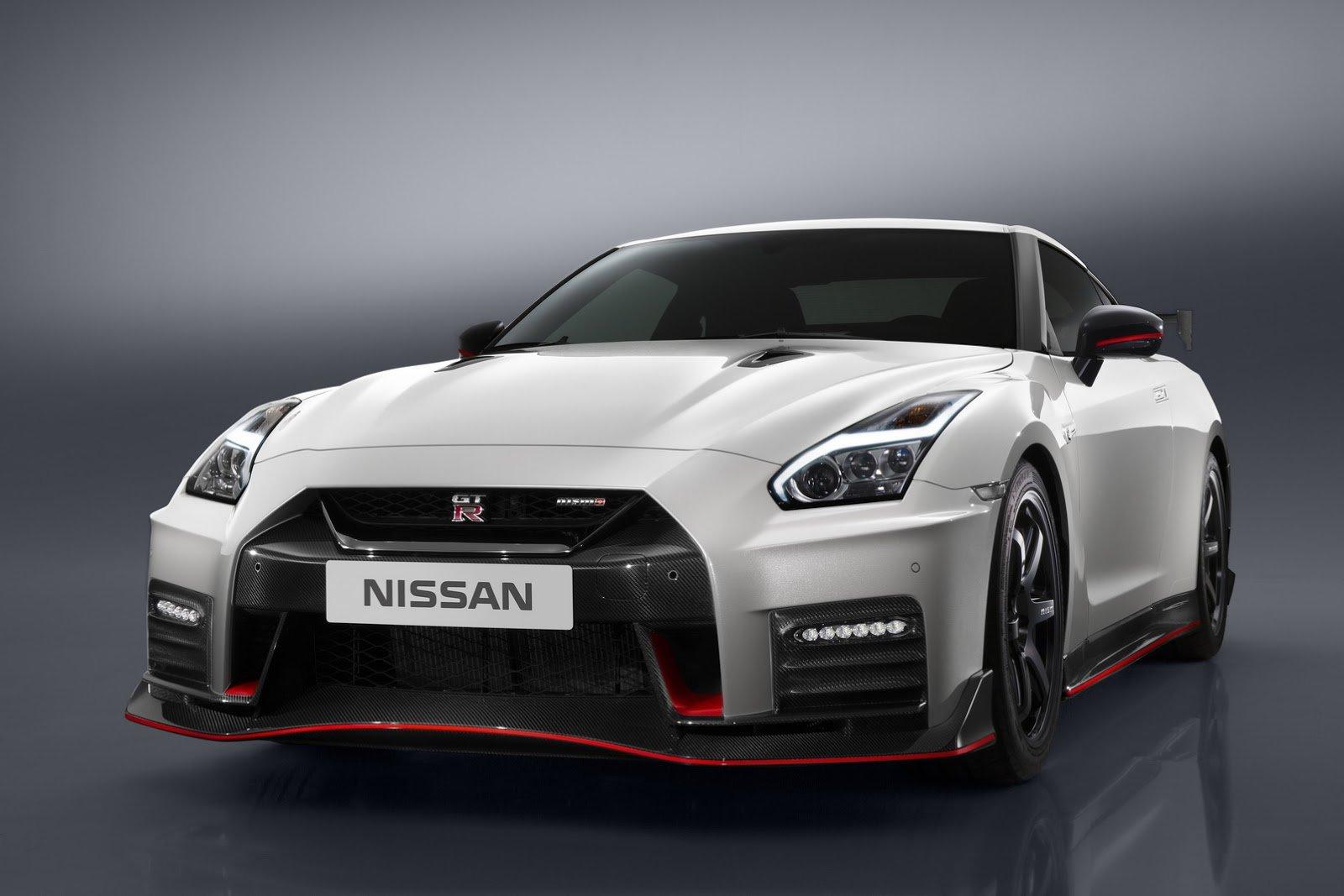 Nissan GT-R MY2017 teaser