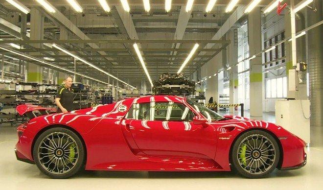 Porsche 918 Spyder red