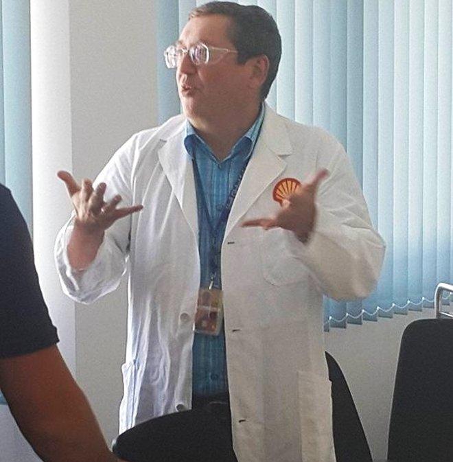 Dr. H. Leonhardt