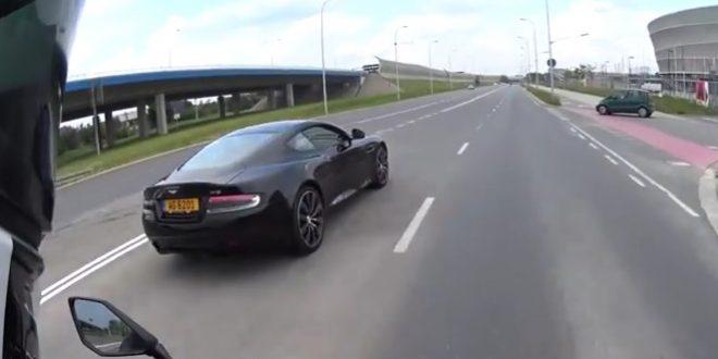 Aston Martin polska policja