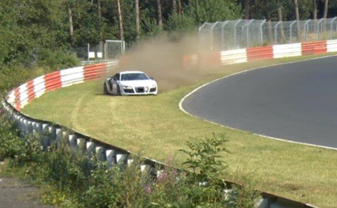 Audi R8 prawie wypadek