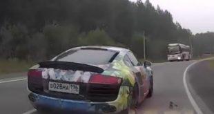 Audi R8 russia crash