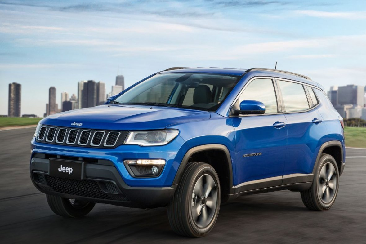 jeep compass 2017 oficjalnie motofilm. Black Bedroom Furniture Sets. Home Design Ideas