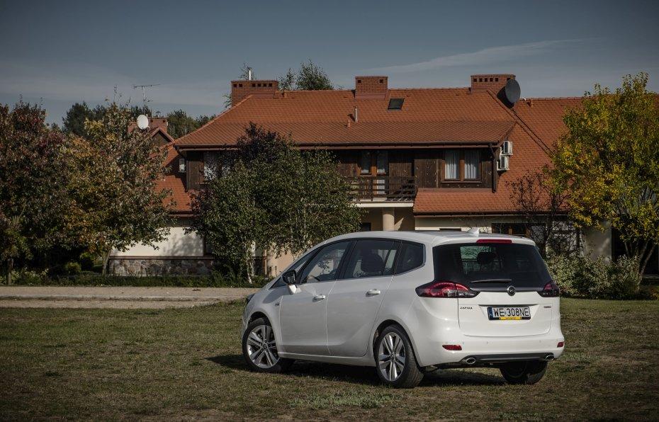 Nowy Opel Zafira 2016