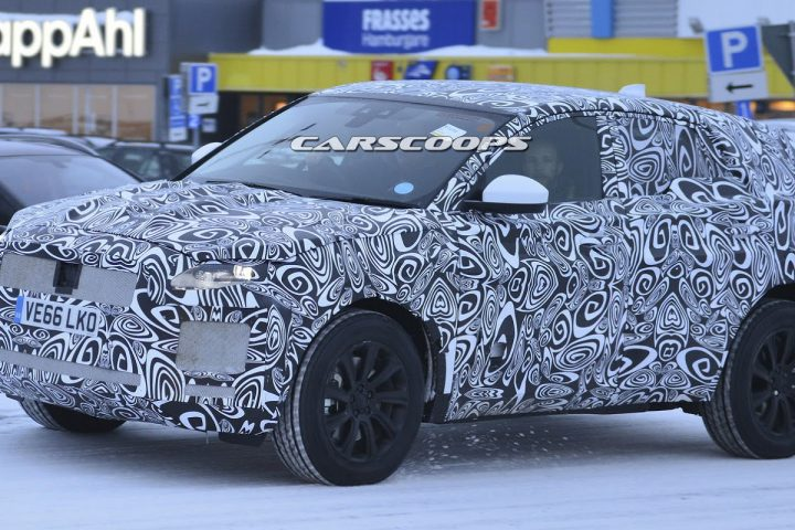 Jaguar E-Pace spyshot