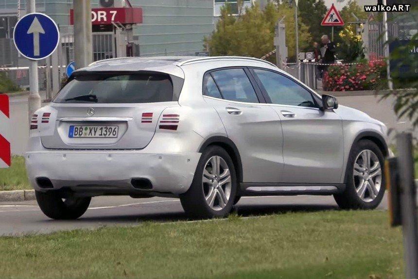 Mercedes-Benz GLA facelifting spyshot