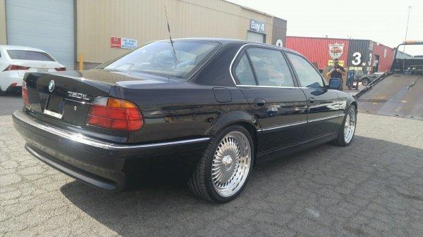 BMW 750iL e38 2pac