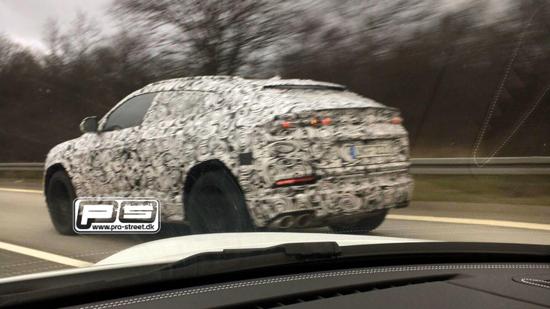 2017 Lamborghini Urus Spyshot