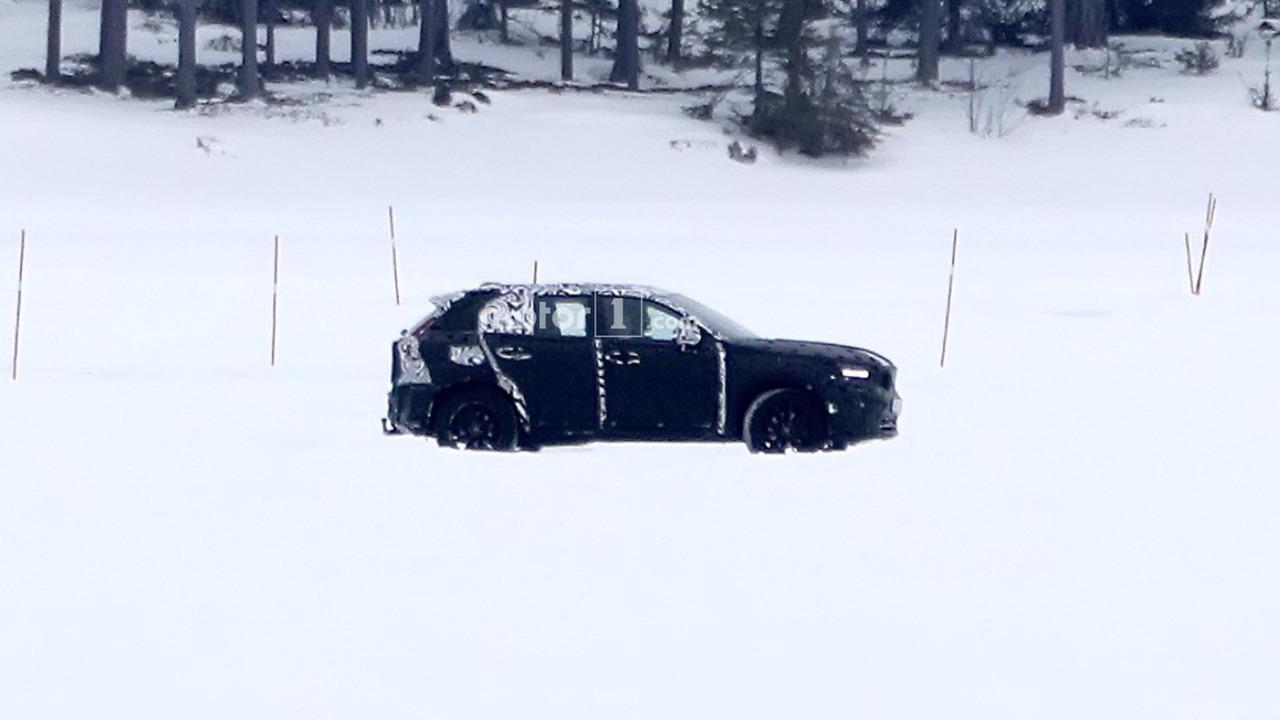 Volvo XC40 2018 spy