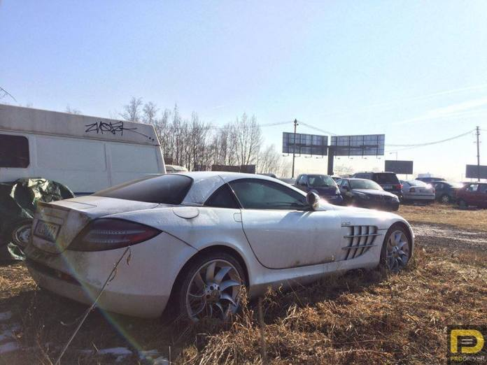 Mercedes SLR McLaren opuszczony