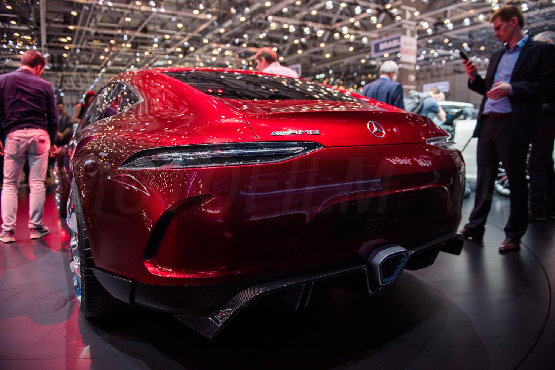 Mercedesa-AMG GT4 Concept