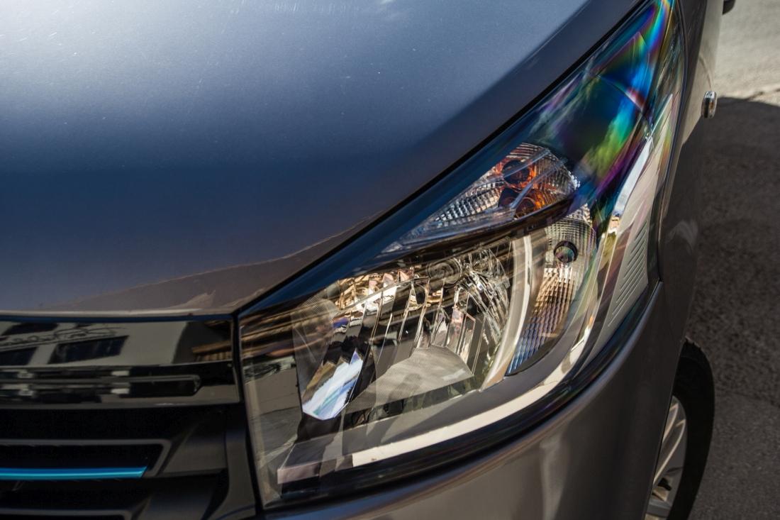 Renault Trafic lamp