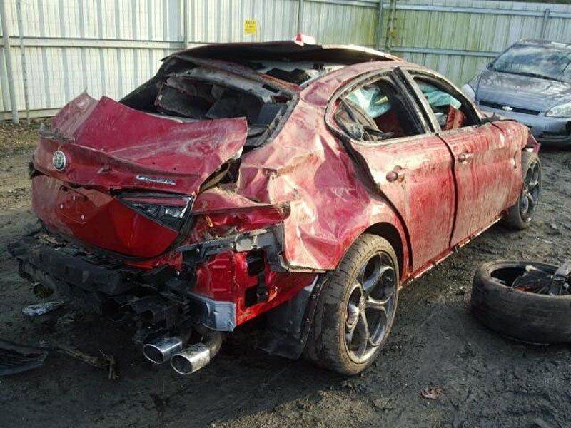 Alfa Romeo Giulia Quadrifoglio crash