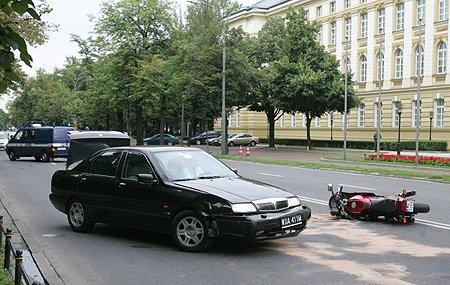 wypadek przed kancelaria premiera