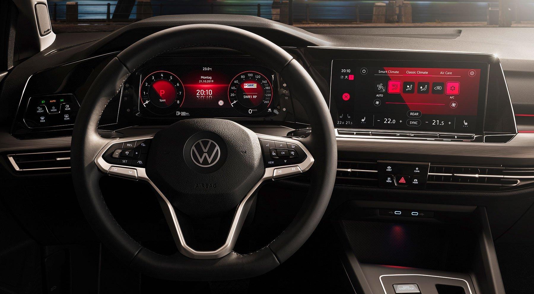 Volkswagen Golf VIII - wnętrze