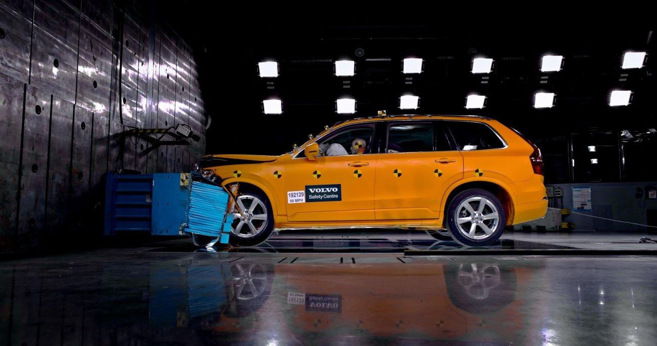 Volvo Cars XC90 crash test