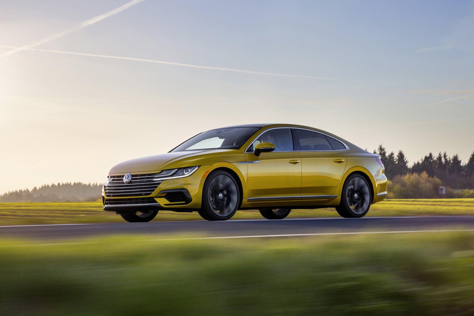 Volkswagen Arteon złoty