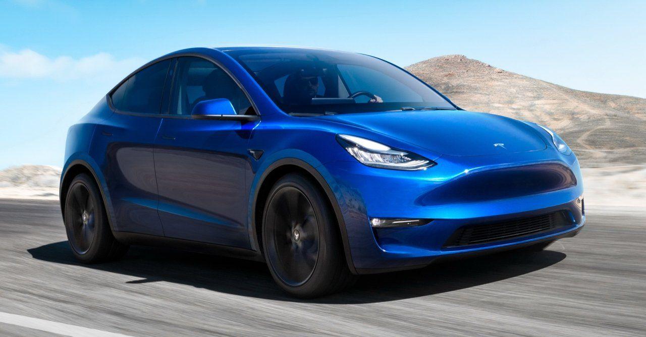 Tesla Model Y kolor niebieski
