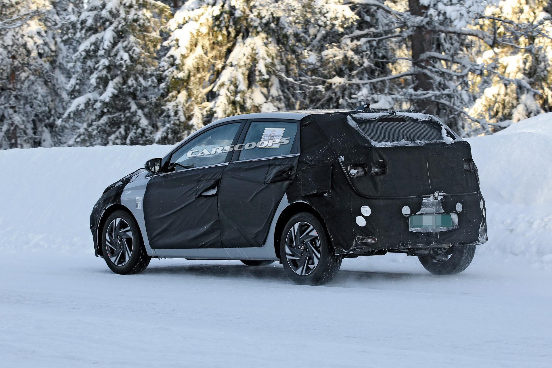 Hyundai i20 2020 tył szpiegowskie