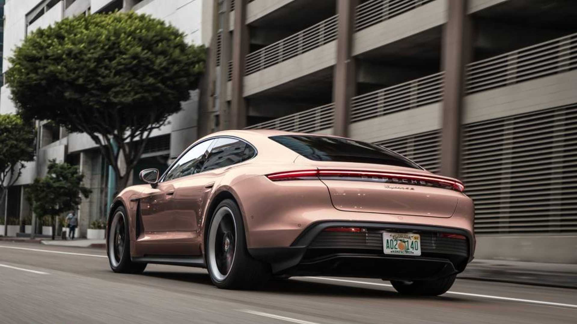 Porsche Taycan Frozen Berry Metallic