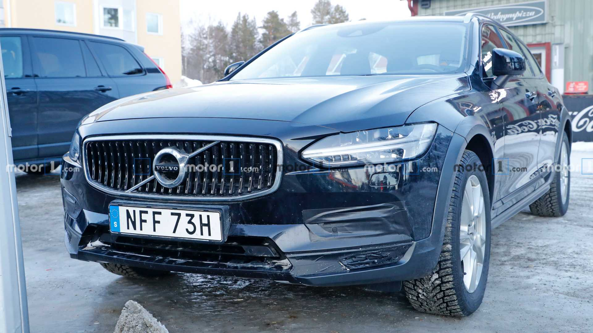 Volvo V90 Cross Country 2021