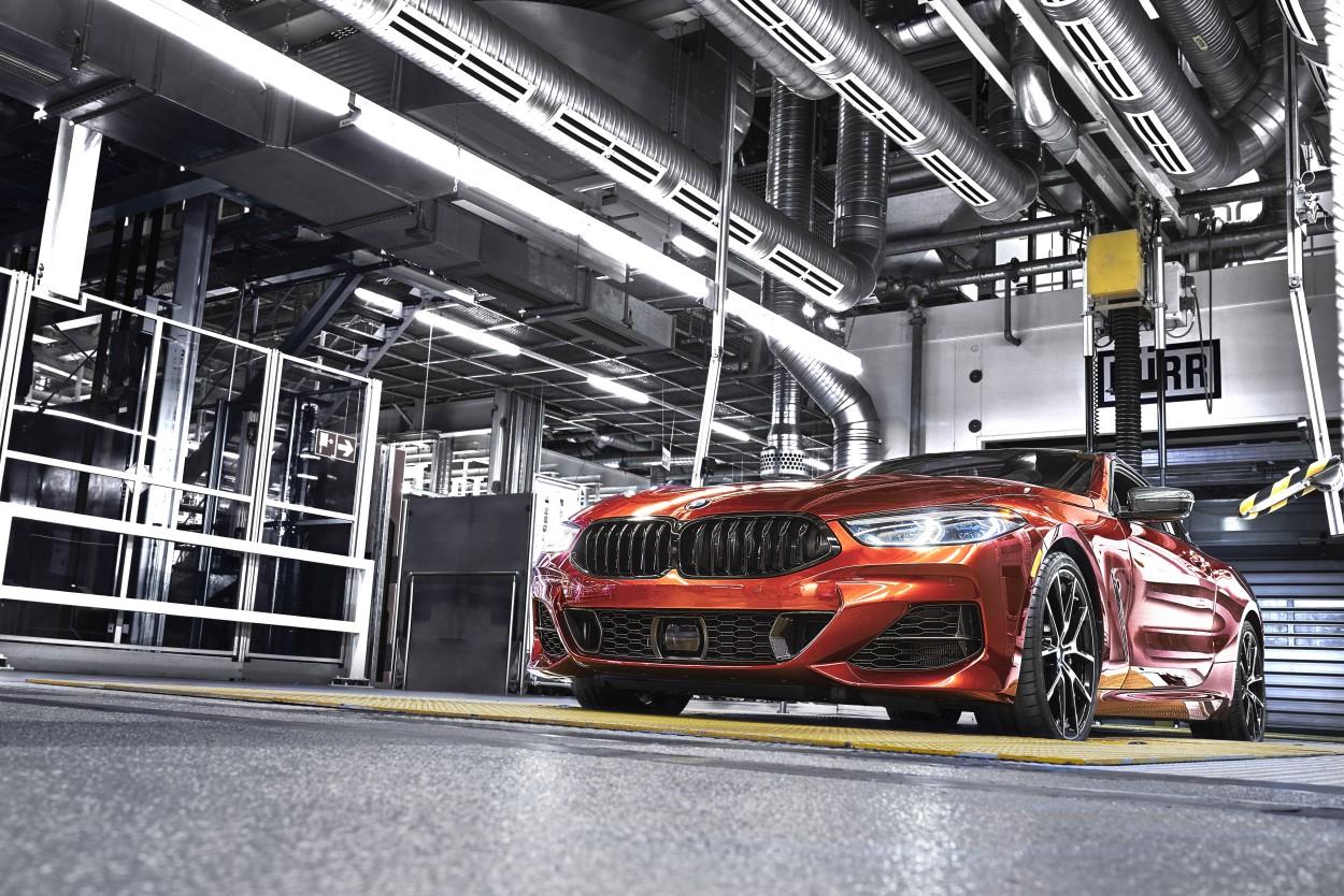Produkcja BMW serii 8 Coupe w zakładach BMW Group w Dingolfing