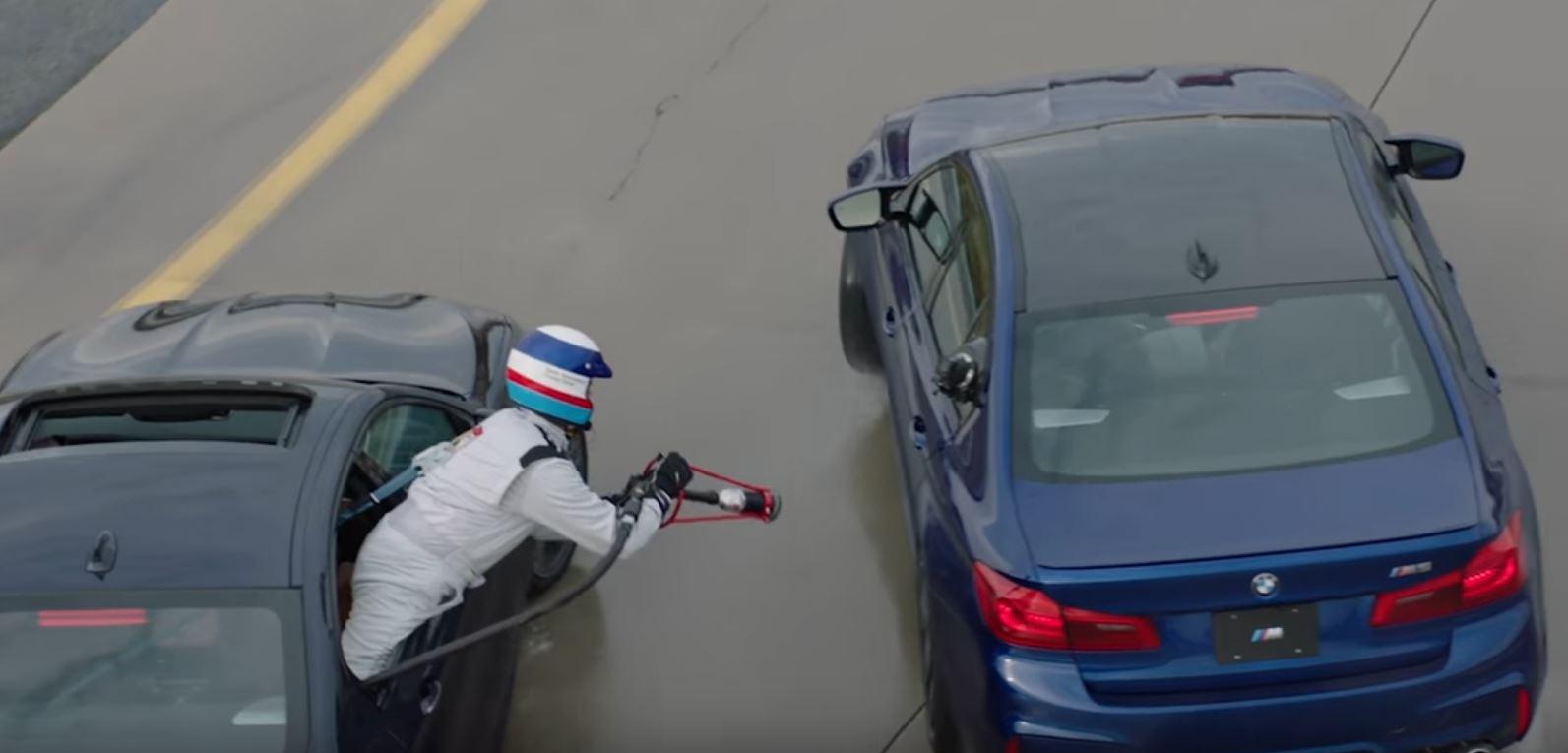 """""""Zdalne"""" tankowanie BMW M5"""