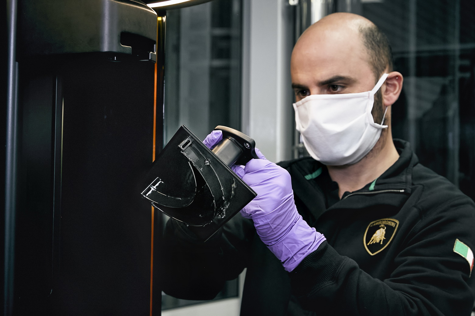 Lamborghini – produkcja maseczek w Sant'Agata Bolognese