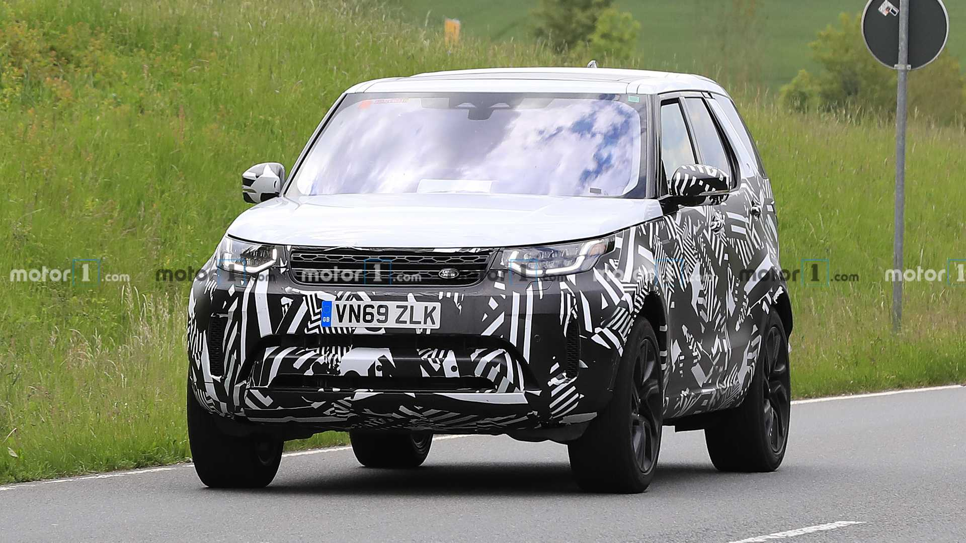 Land Rover Discovery po liftingu (2021)