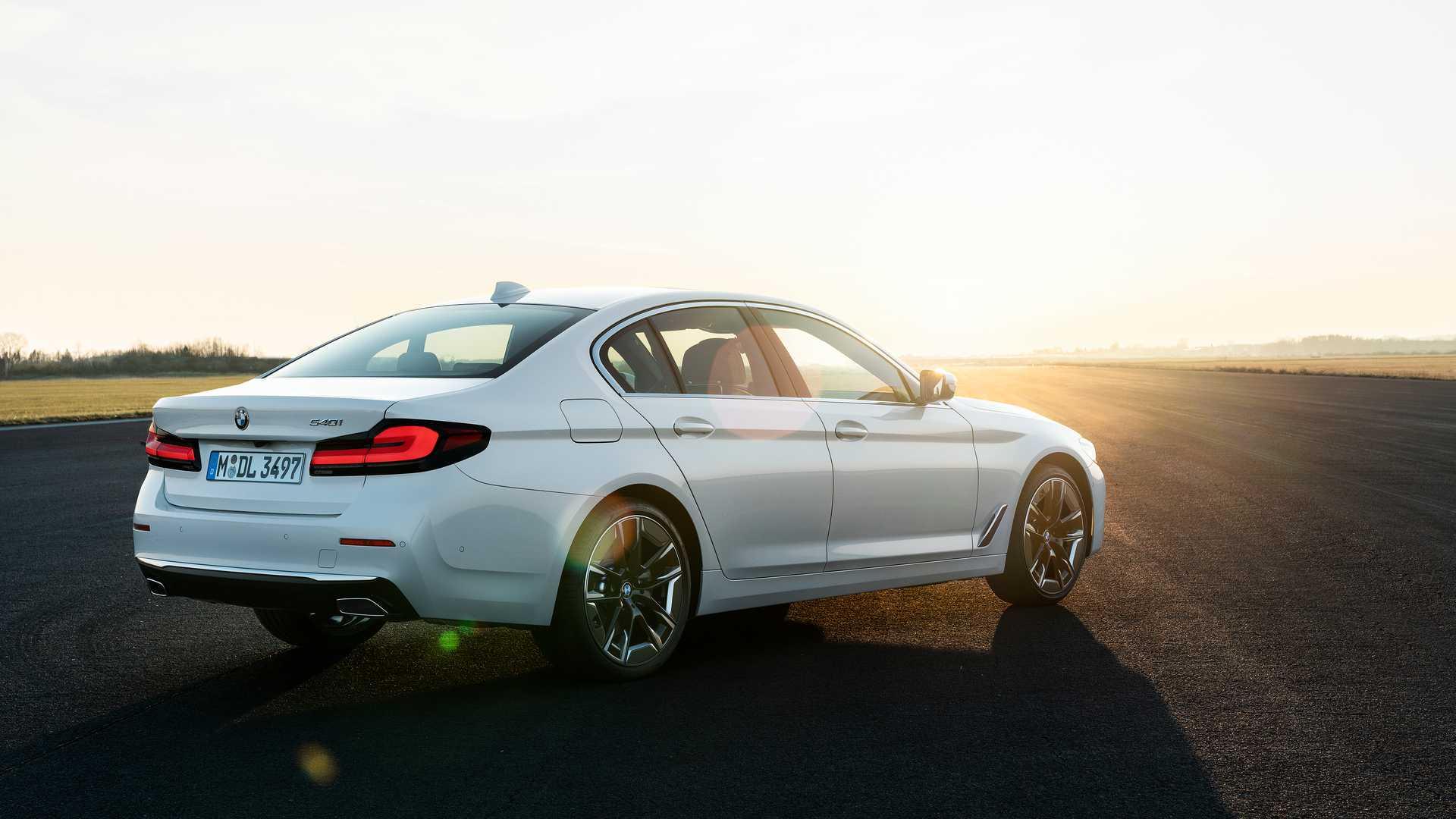 BMW serii 5 G30 2021 (lifting) - model 540i