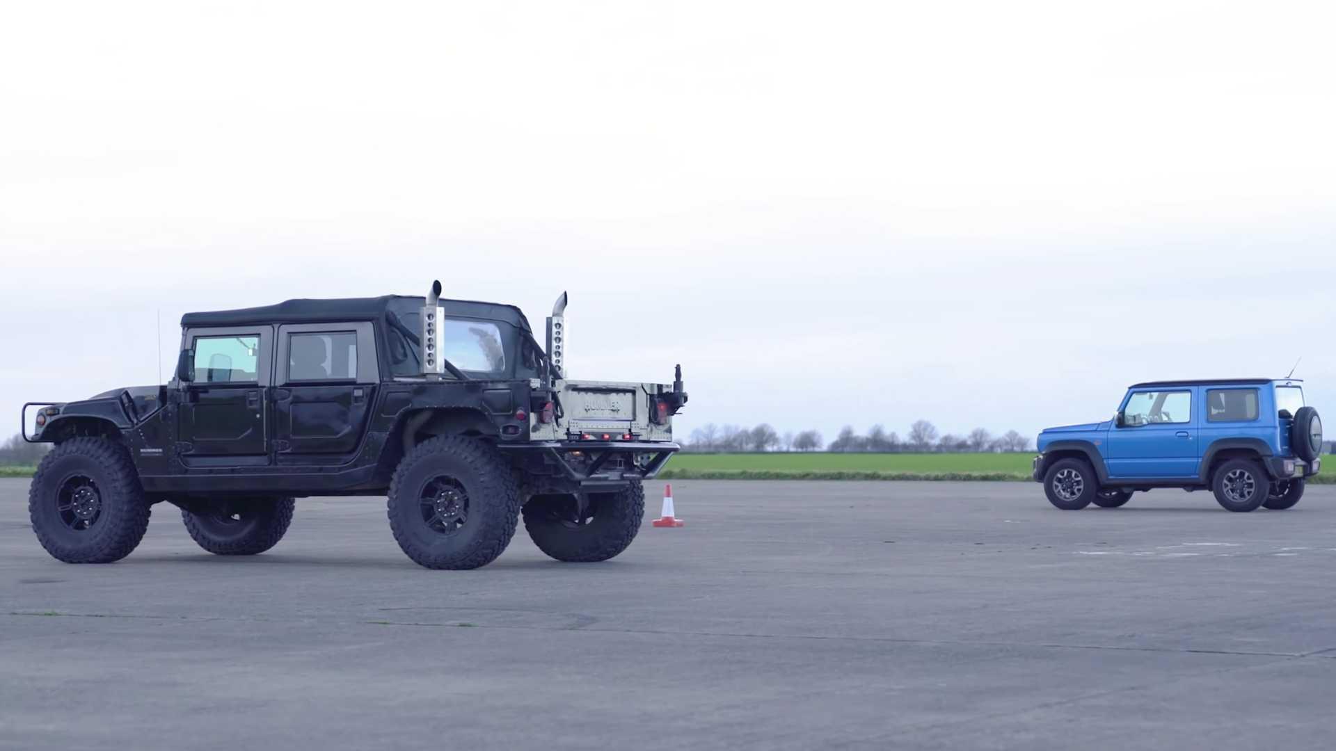 Hummer H1 vs. Suzuki Jimny: drag race