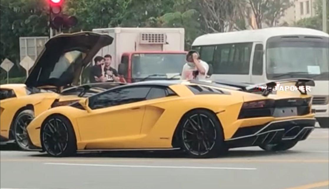 Wypadek dwóch Lamborghini: kierowcy mieli maseczki