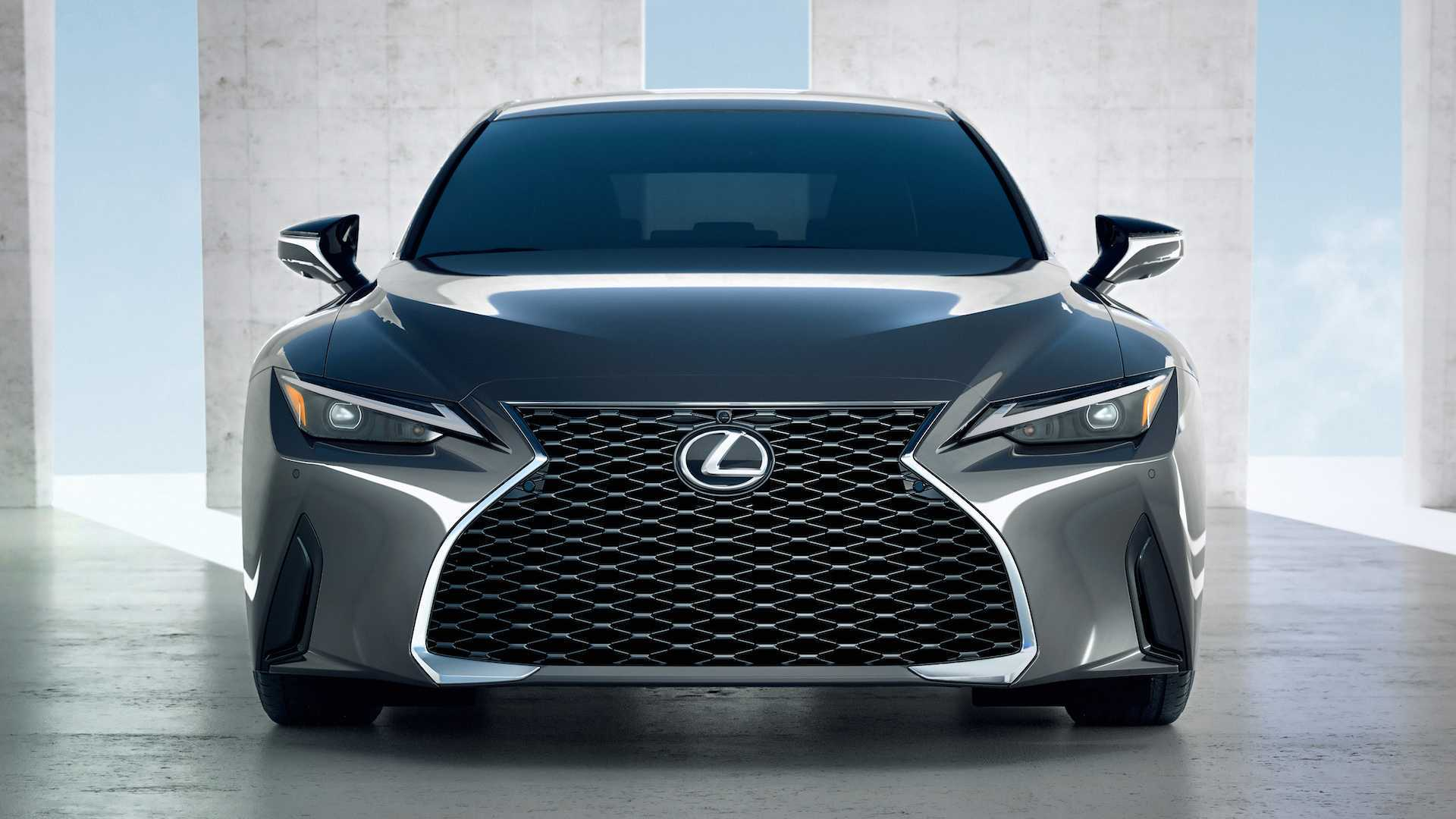 Lexus IS (2021) face lifting
