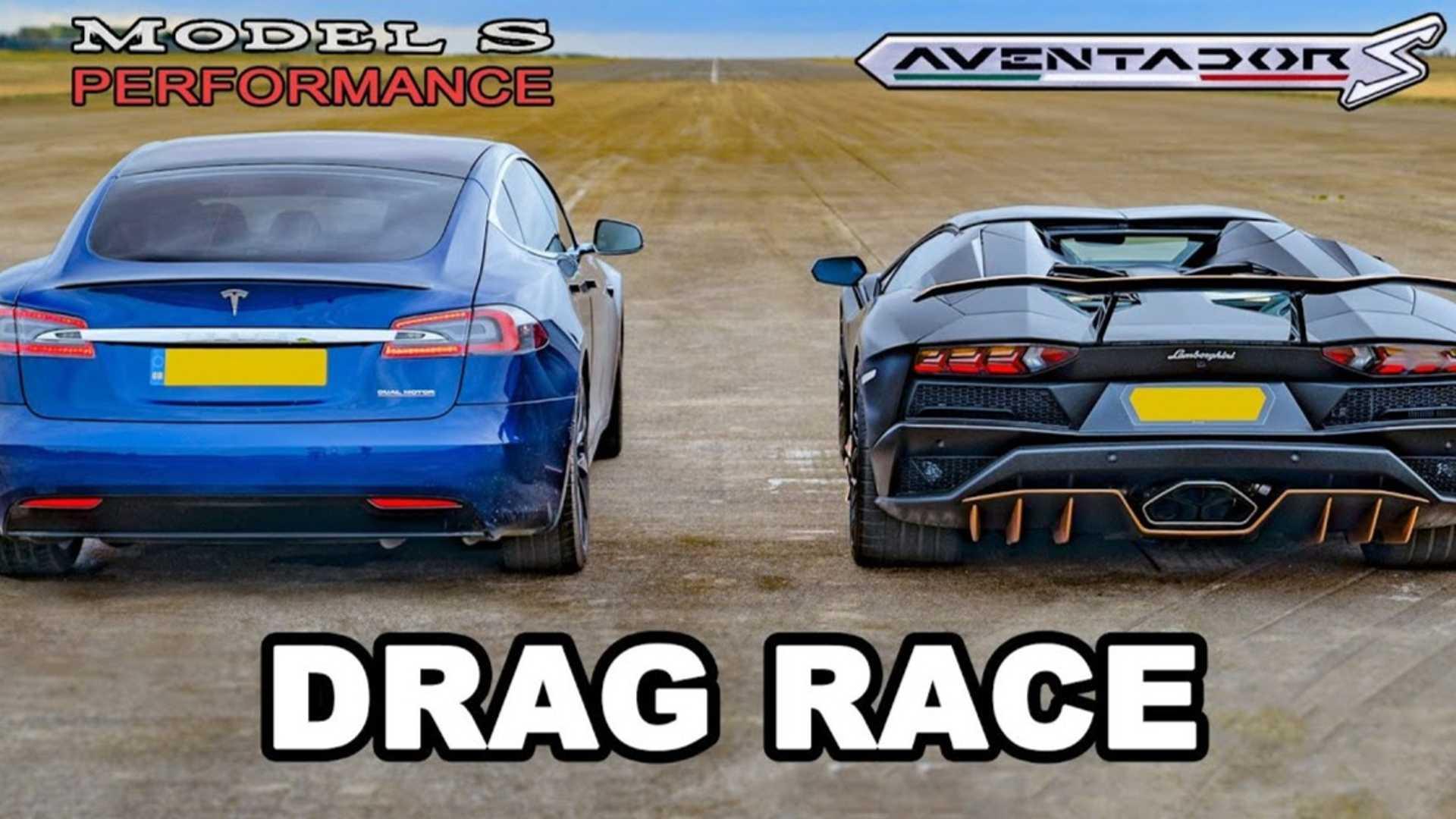 Lamborghini Aventador S Roadster vs. nowa Tesla Model S Performance