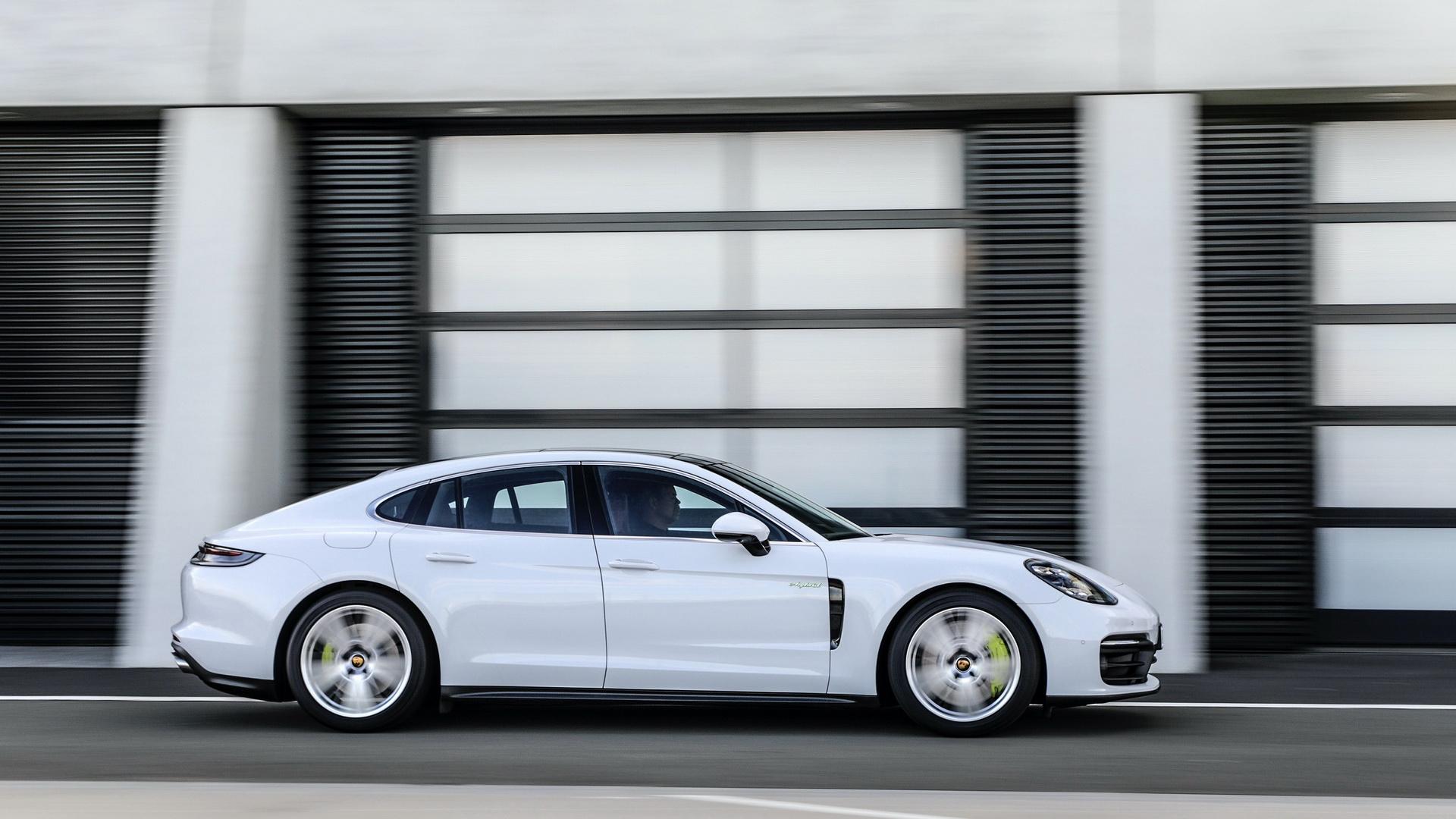 Porsche Panamera 4 E-Hybrid (2021)