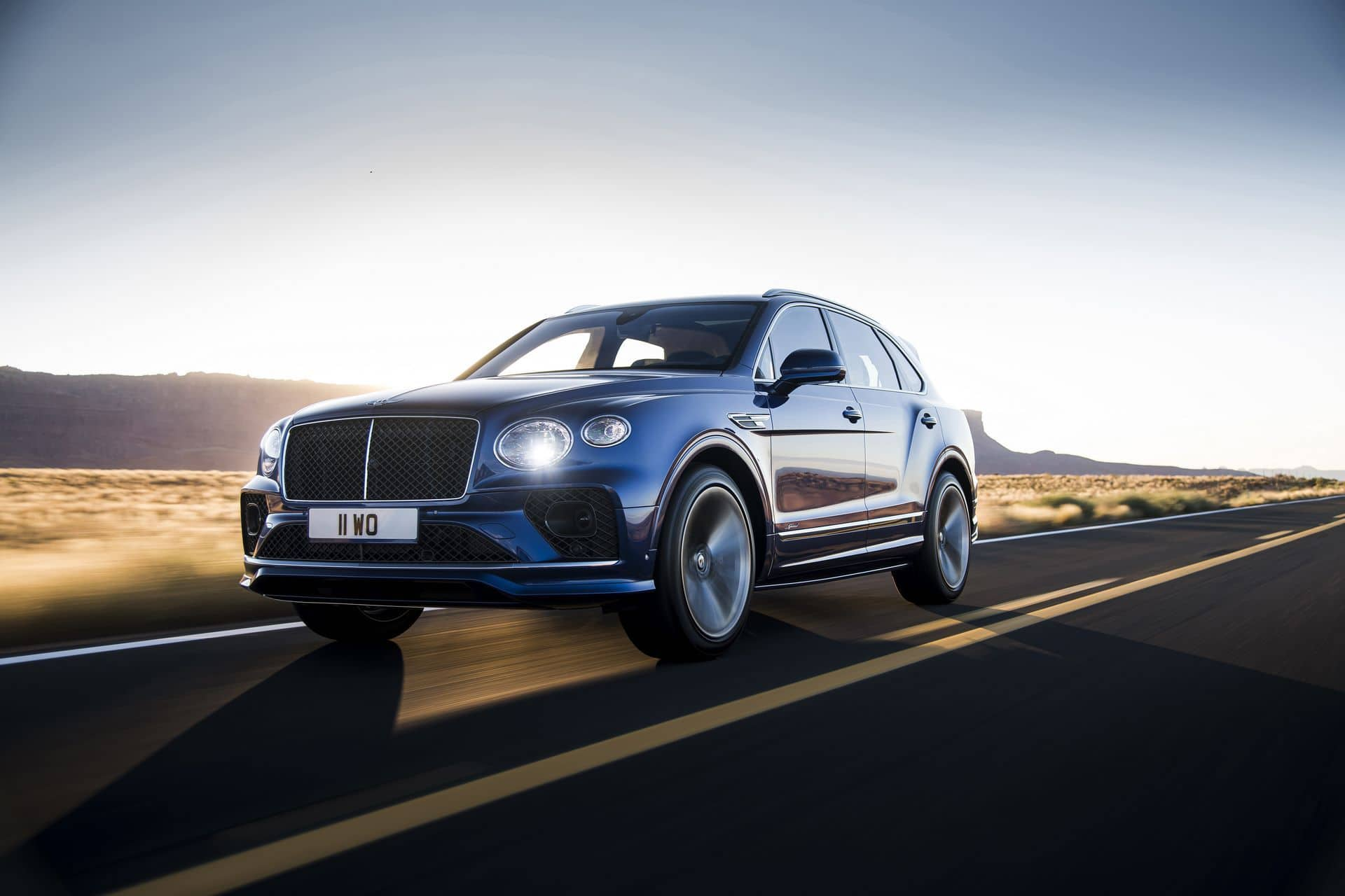 Bentley Bentayga Speed W12 (2021) - lifting