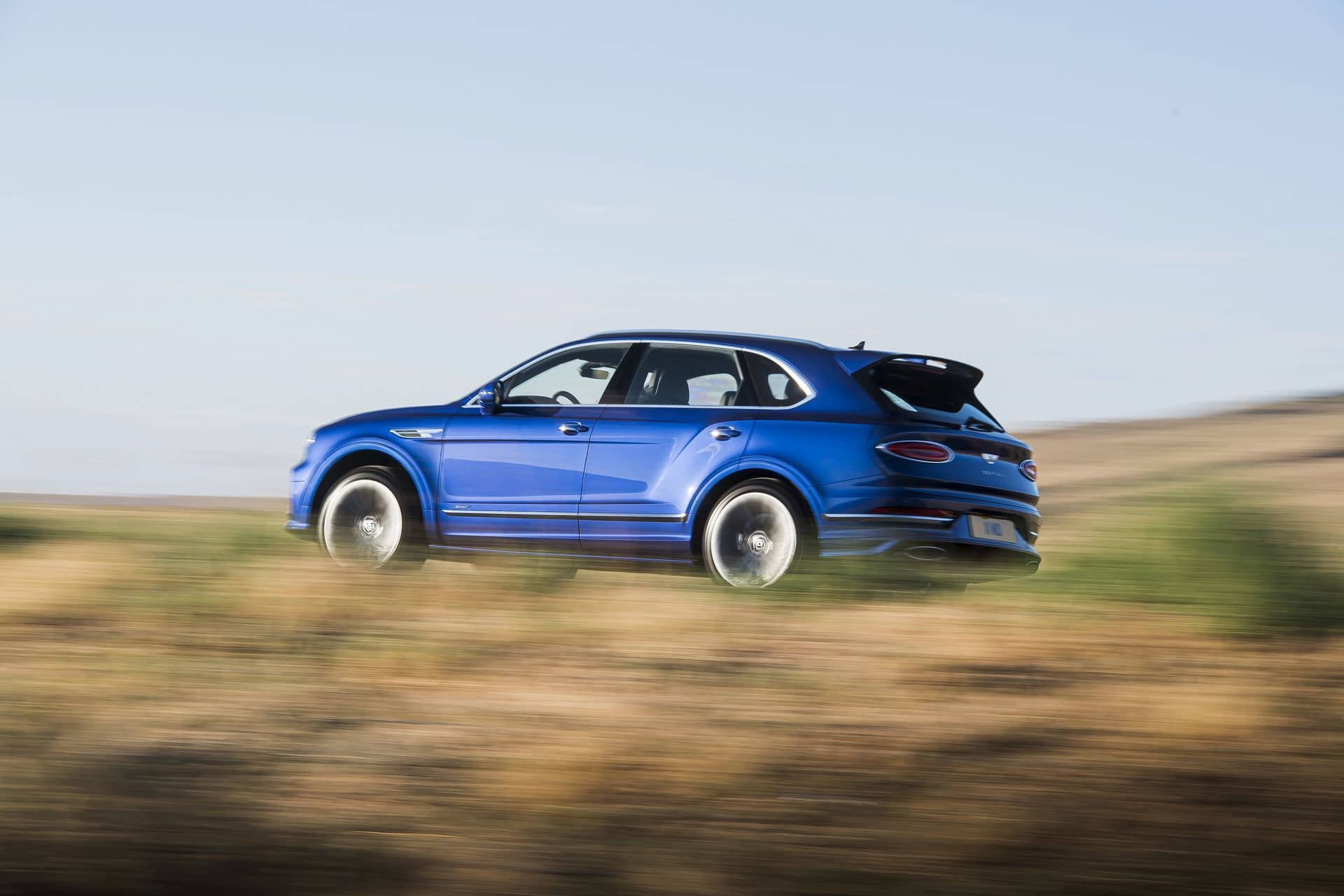 Bentley Bentayga Speed W12 (2021) - lifting