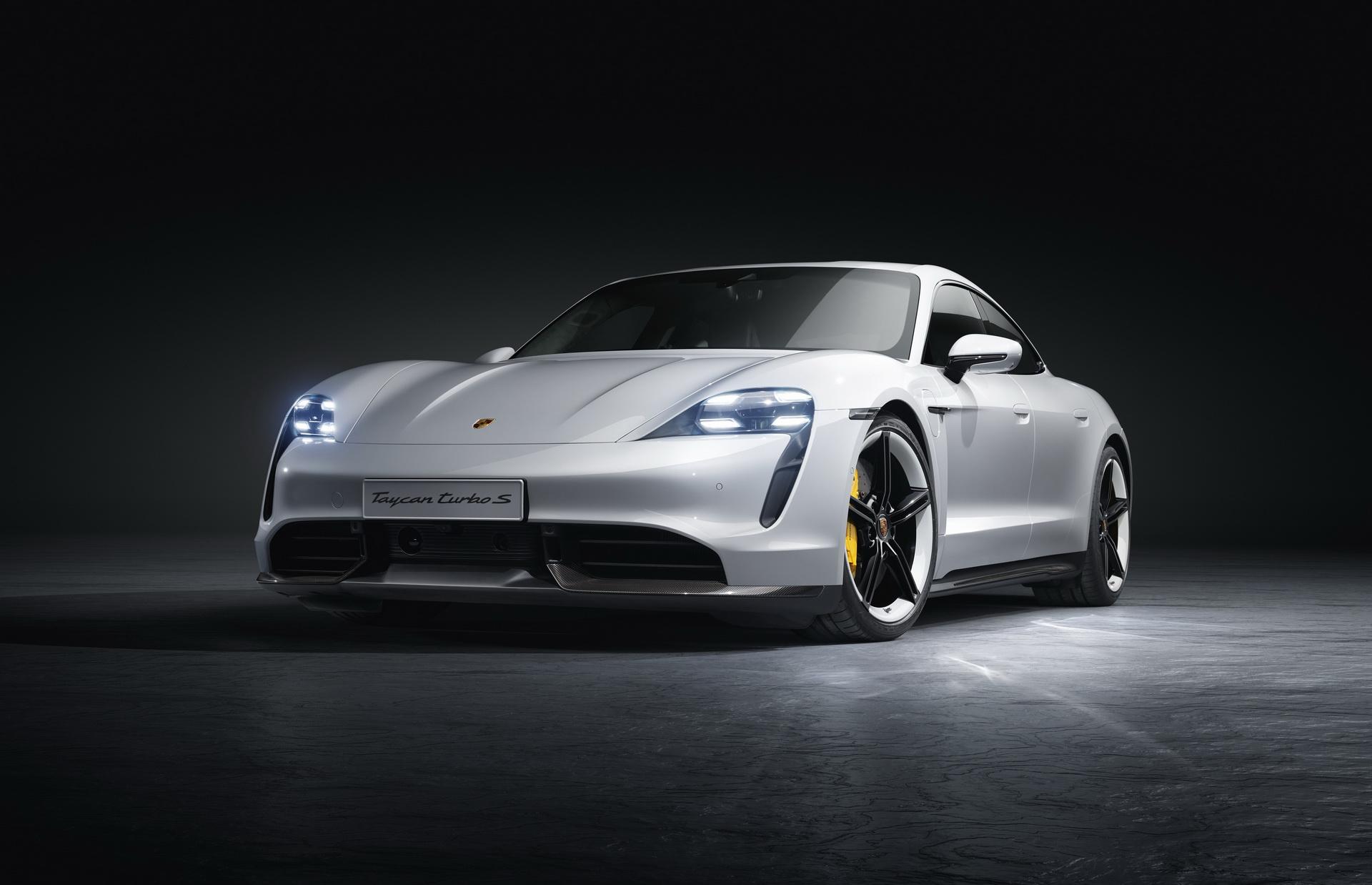 Porsche Taycan (2021)