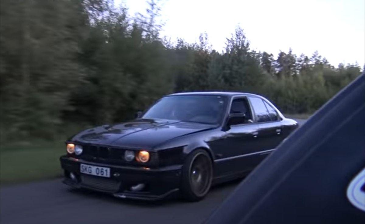 BMW M5 E34 vs. Bugatti Veyron