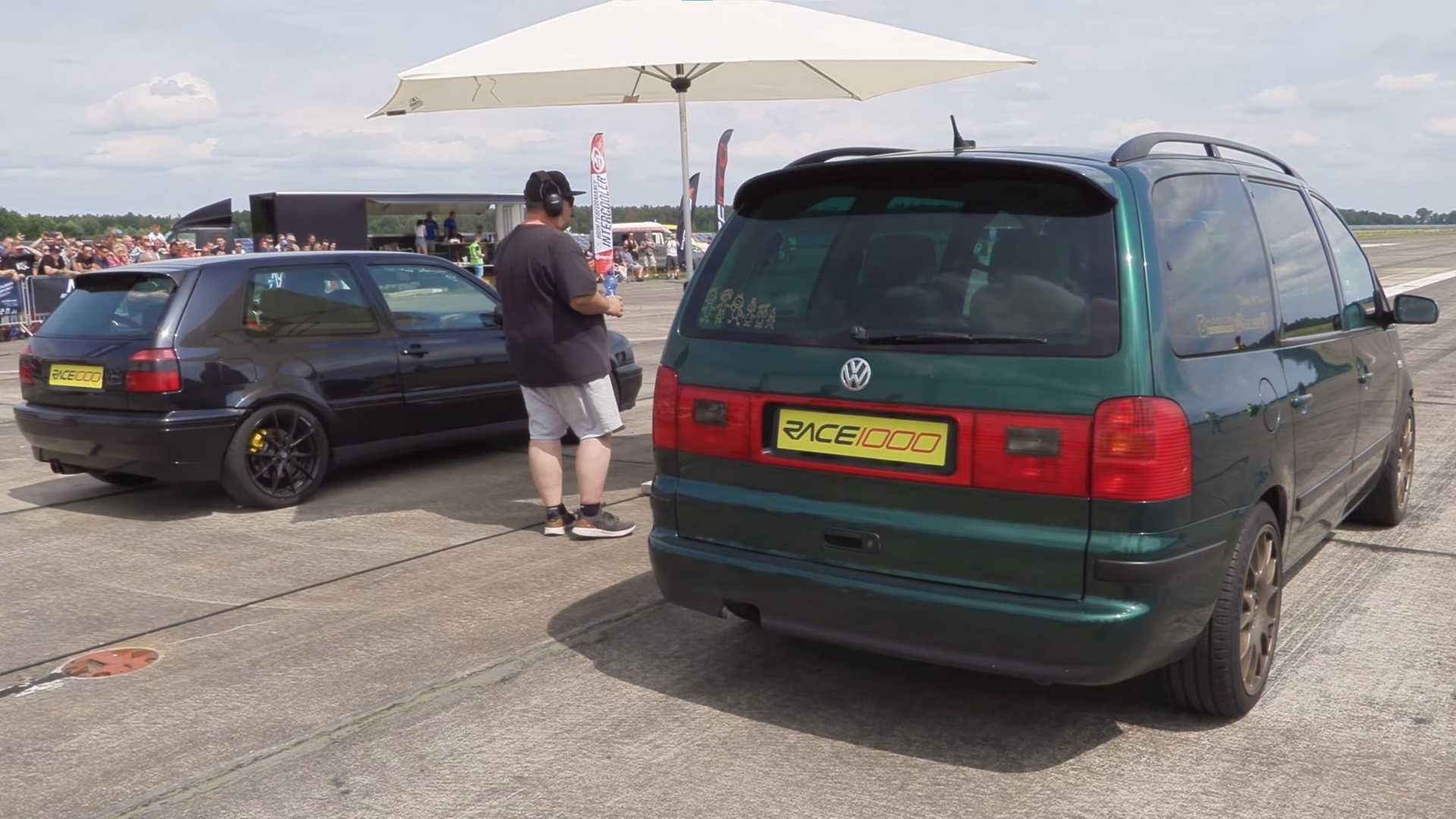Volkswagen Golf III vs. VW Sharan