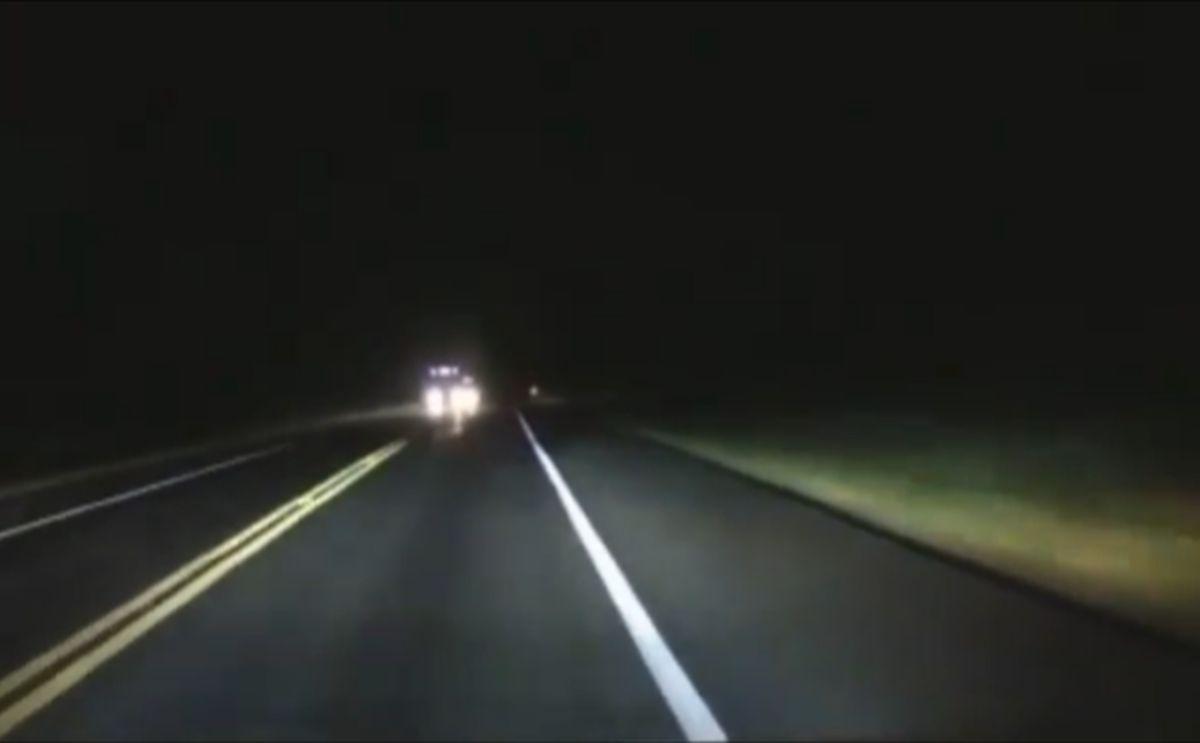 Nocny wypadek drogowy z ciężarówką