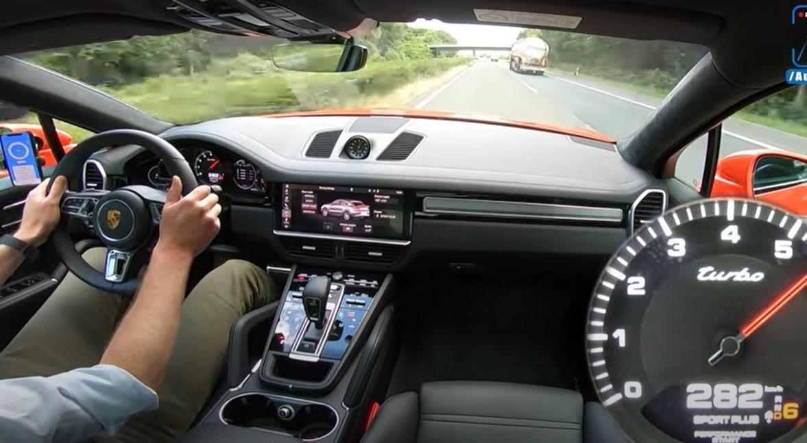 Porsche Cayenne Turbo Coupe - 300 km/h po autostradzie