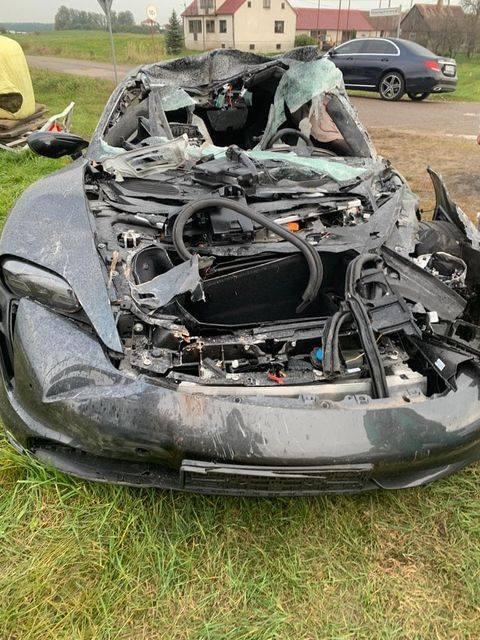 Porsche Taycan Turbo, wypadek pod Augustowem: fot: D1CK (faceebok)