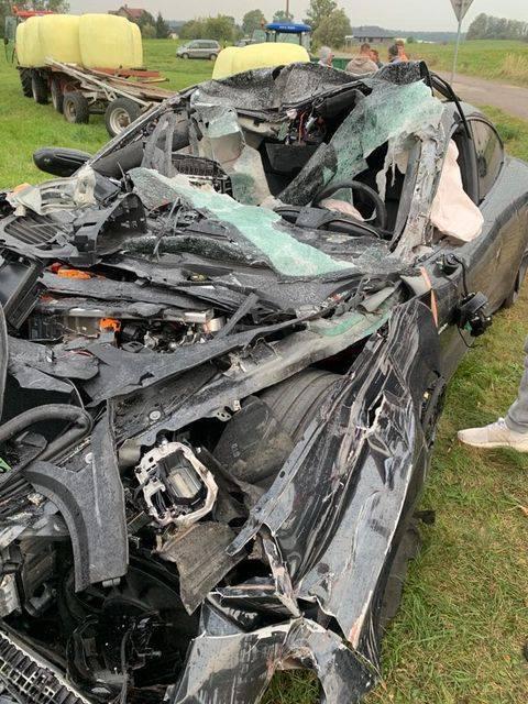Porsche Taycan Turbo, wypadek pod Augustowem: fot: D1CK (facebook)