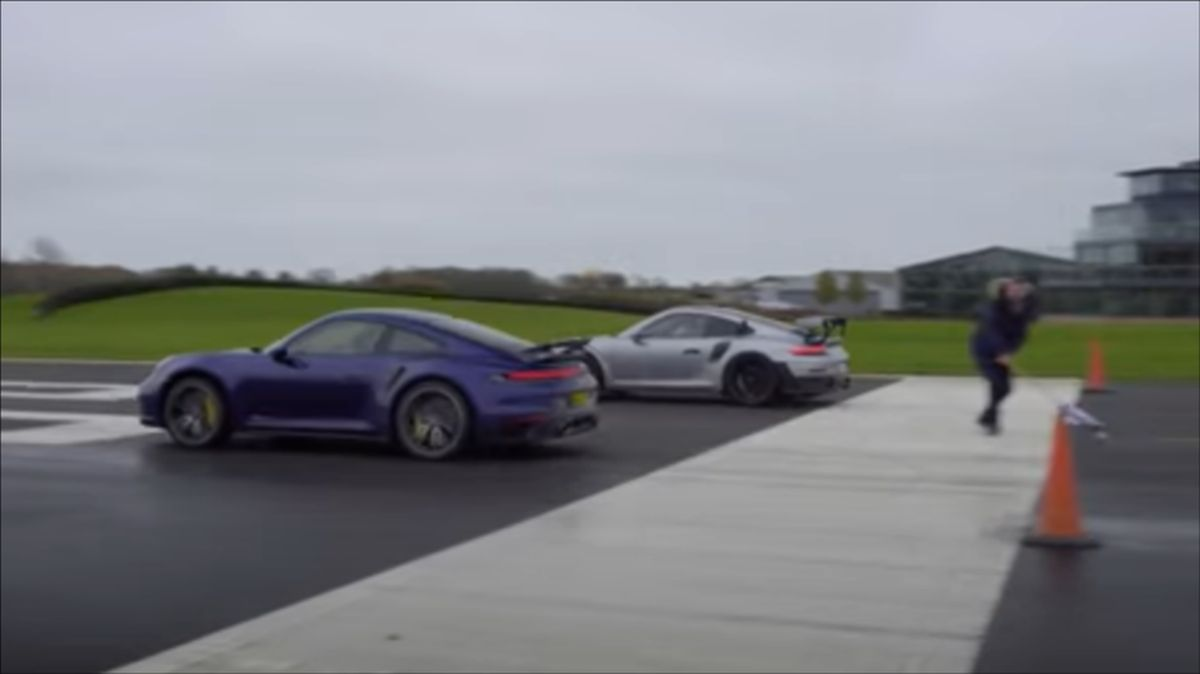 Nowe Porsche 911 Turbo S vs. stare 911 GT2 RS