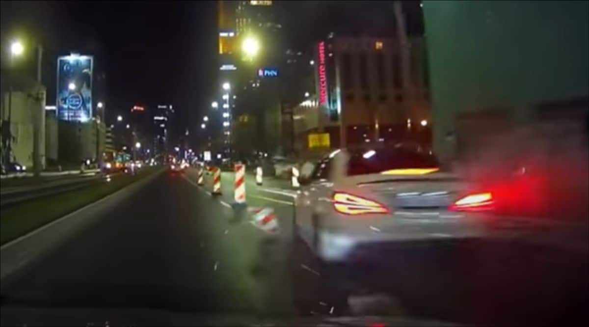 Mercedes CLA: wypadek w centrum Warszawy