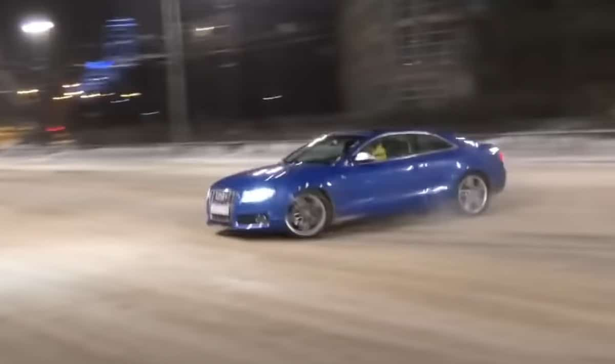 Audi S5: wypadek podczas driftu