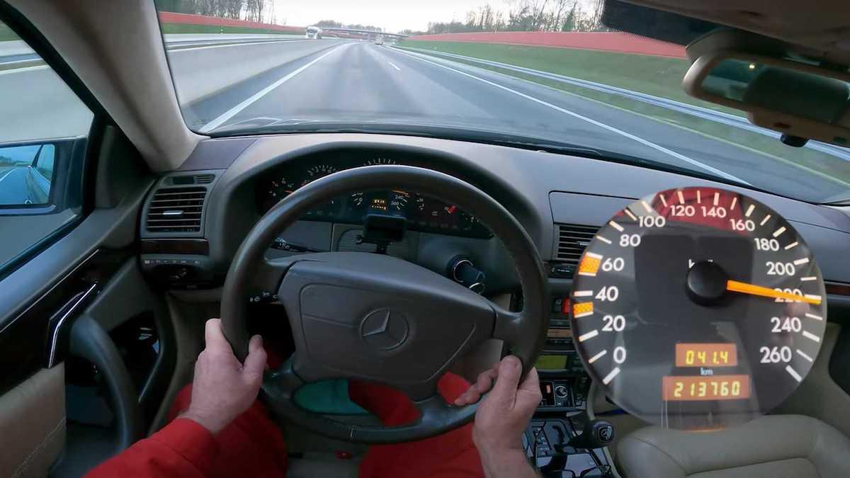 Mercedes CL 500 1997: prędkość maksymalna na autostradzie