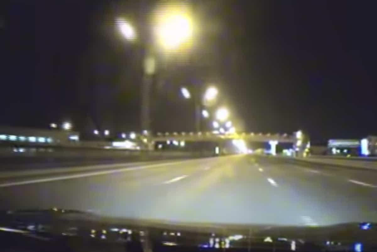 Nissan GT-R - jazda na autostradzie