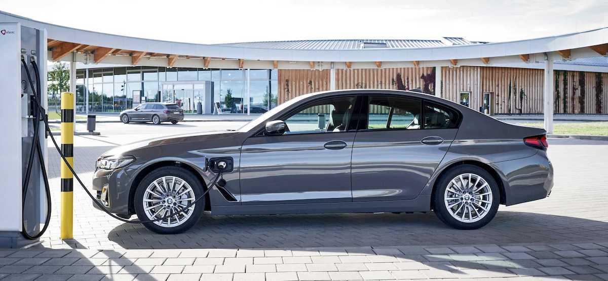 BMW 520e (2021)